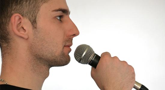 A mikrofon helyes használata